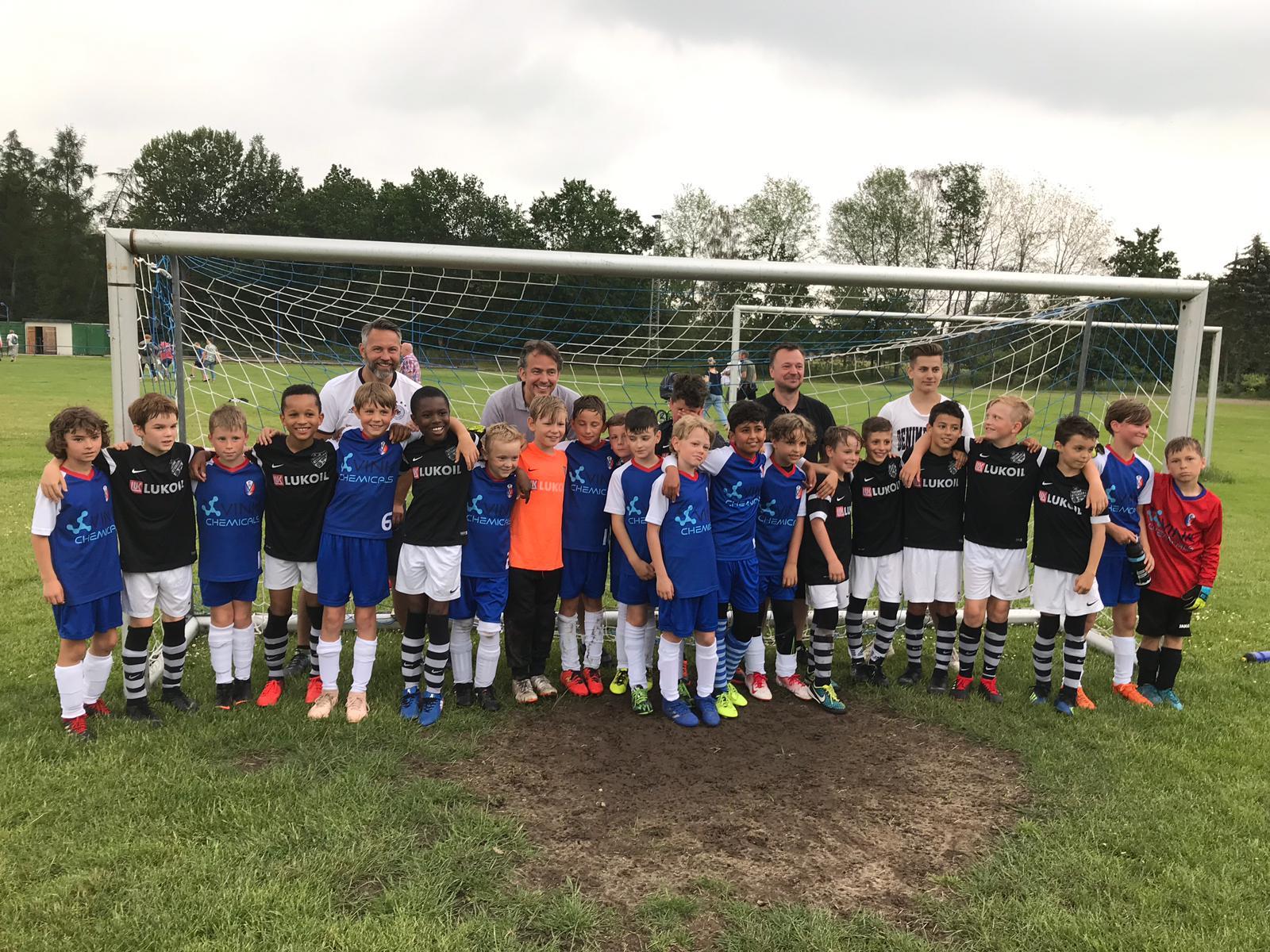Die U10 des FSV und des FC Teutonia 05 aus Hamburg-Ottensen